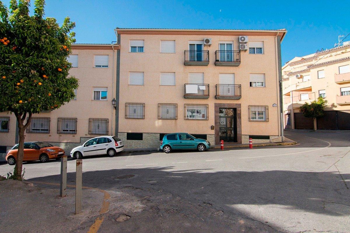 Piso en Las Gabias, de 3 dormitorios, salón, cocina y baño. Luminoso, Granada