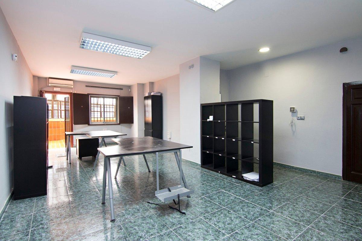 Oportunidad. Oficina en Avenida de Constitución, Granada