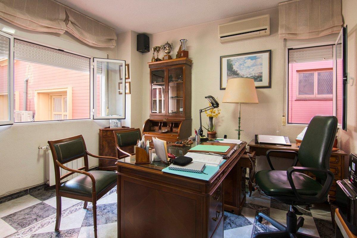Inmueble en venta en pleno centro de Granada, en Plaza de los Campos, a un paso de Corte Ingles, Vir, Granada