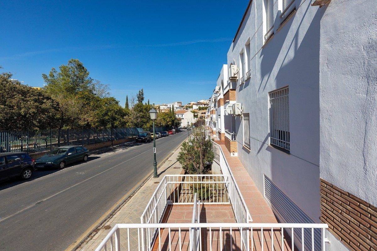 Huetor Vega, Doña Juana Piso en primera planta con 3 dormitorios, un cuarto de baño. Plaza de garaje, Granada