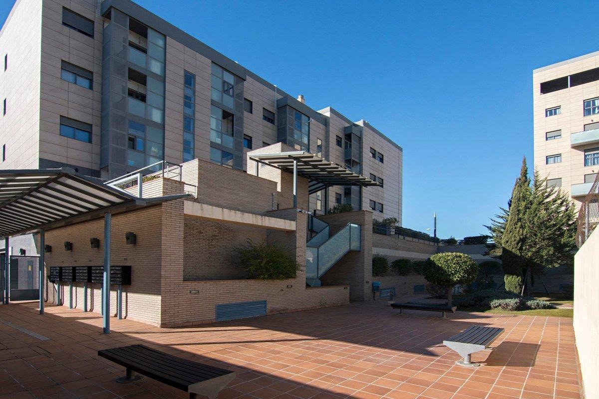 Espectacular piso en campus de la salud