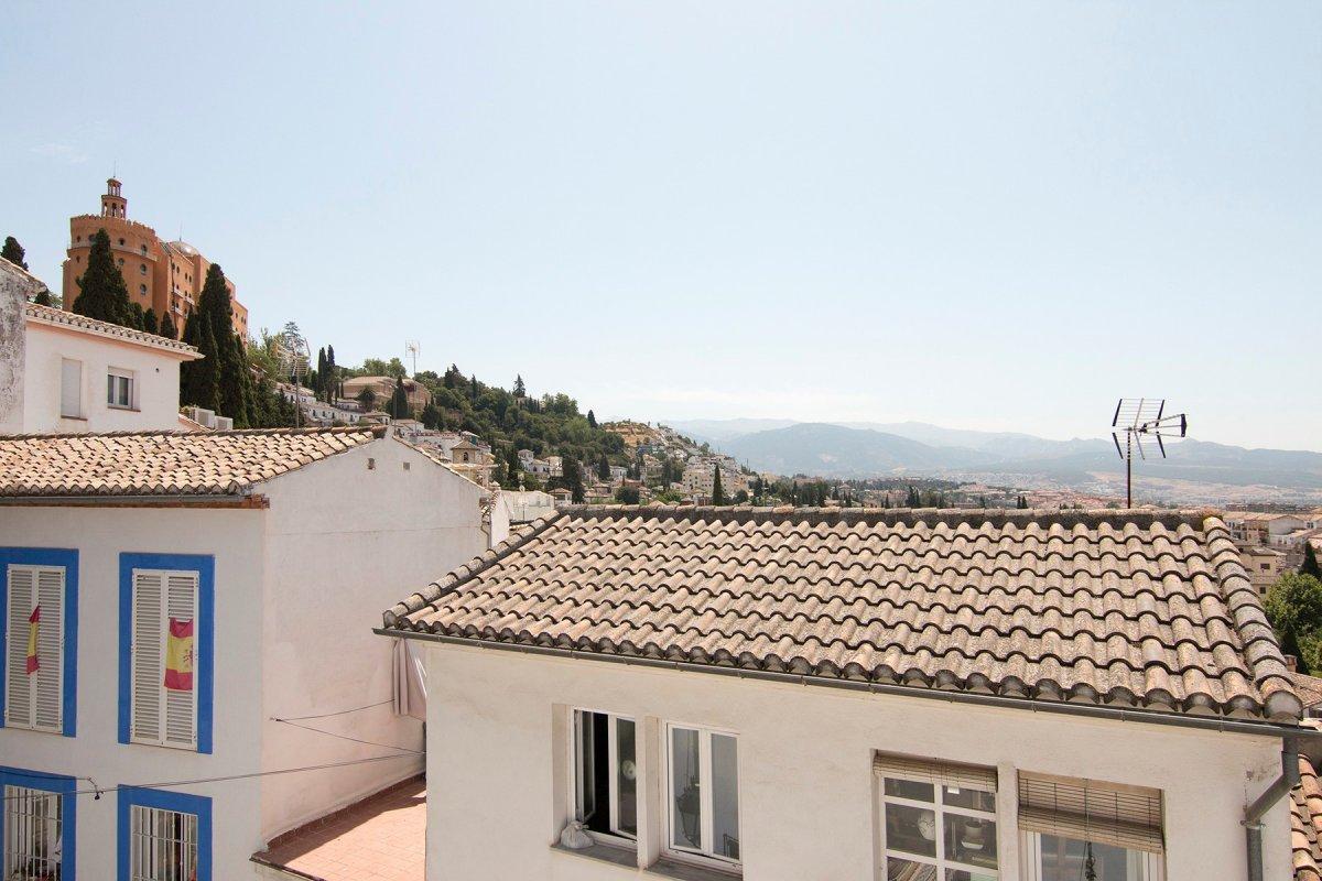 Casa reformada en histórico barrio del Realejo al pie y a un paso de La Alhambra.