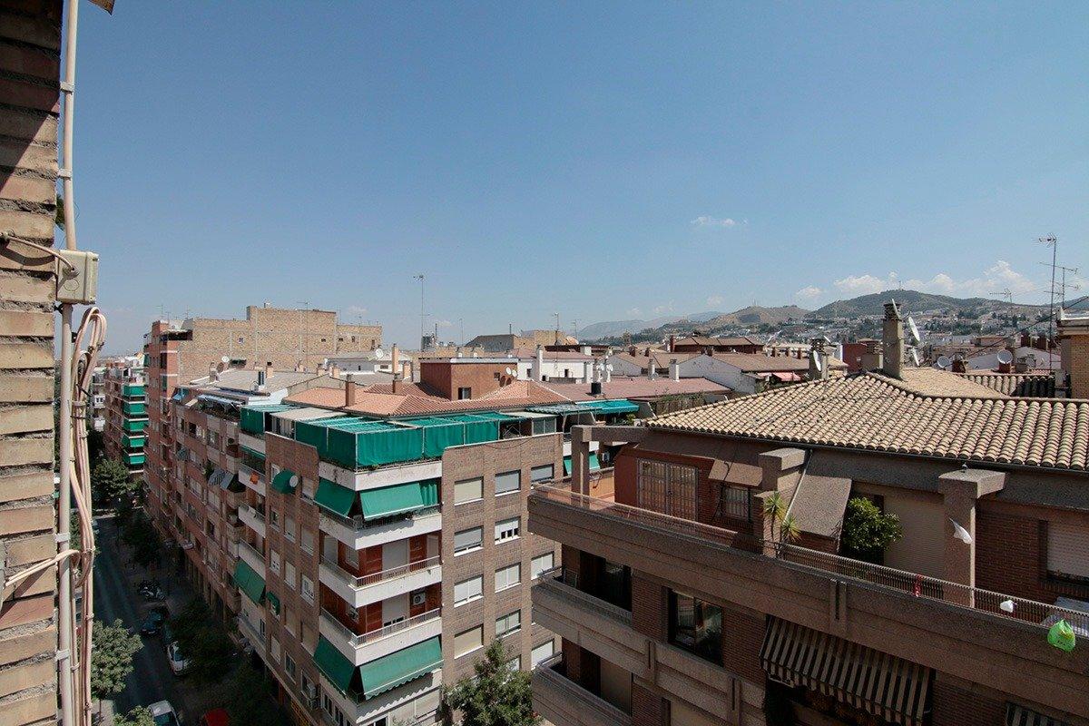 Socrates. Piso en venta en plaza alta con 4 dormitorios,  2 baños, Granada