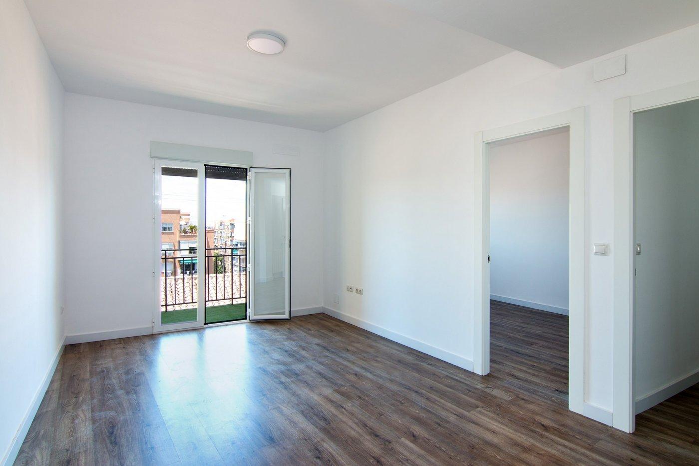 reformadísima última planta, piso de 3 dormitorios en Don Bosco, Granada