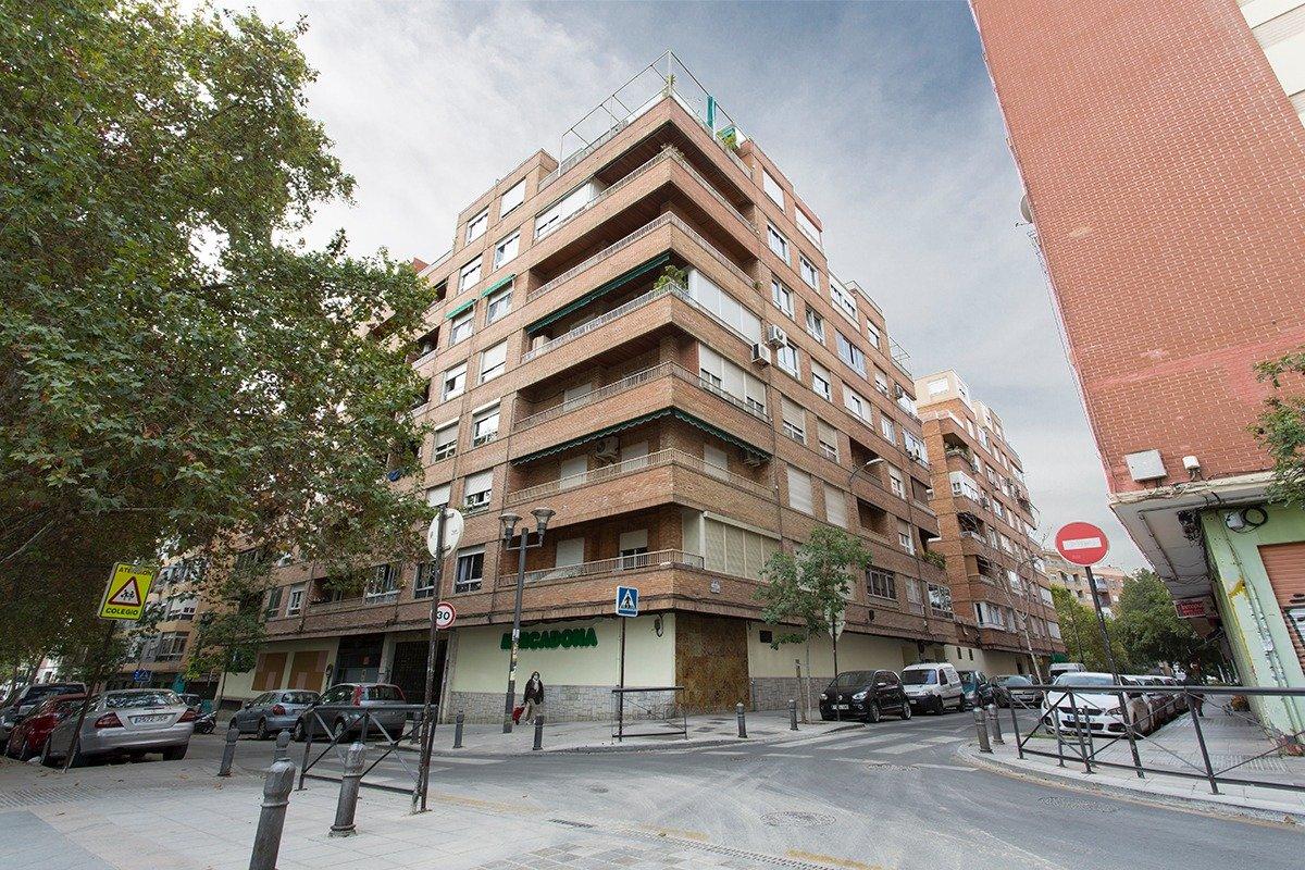 PISO EN GONZALO GALLAS, JUNTO PASEILLOS UNIVERSITARIOS, Granada