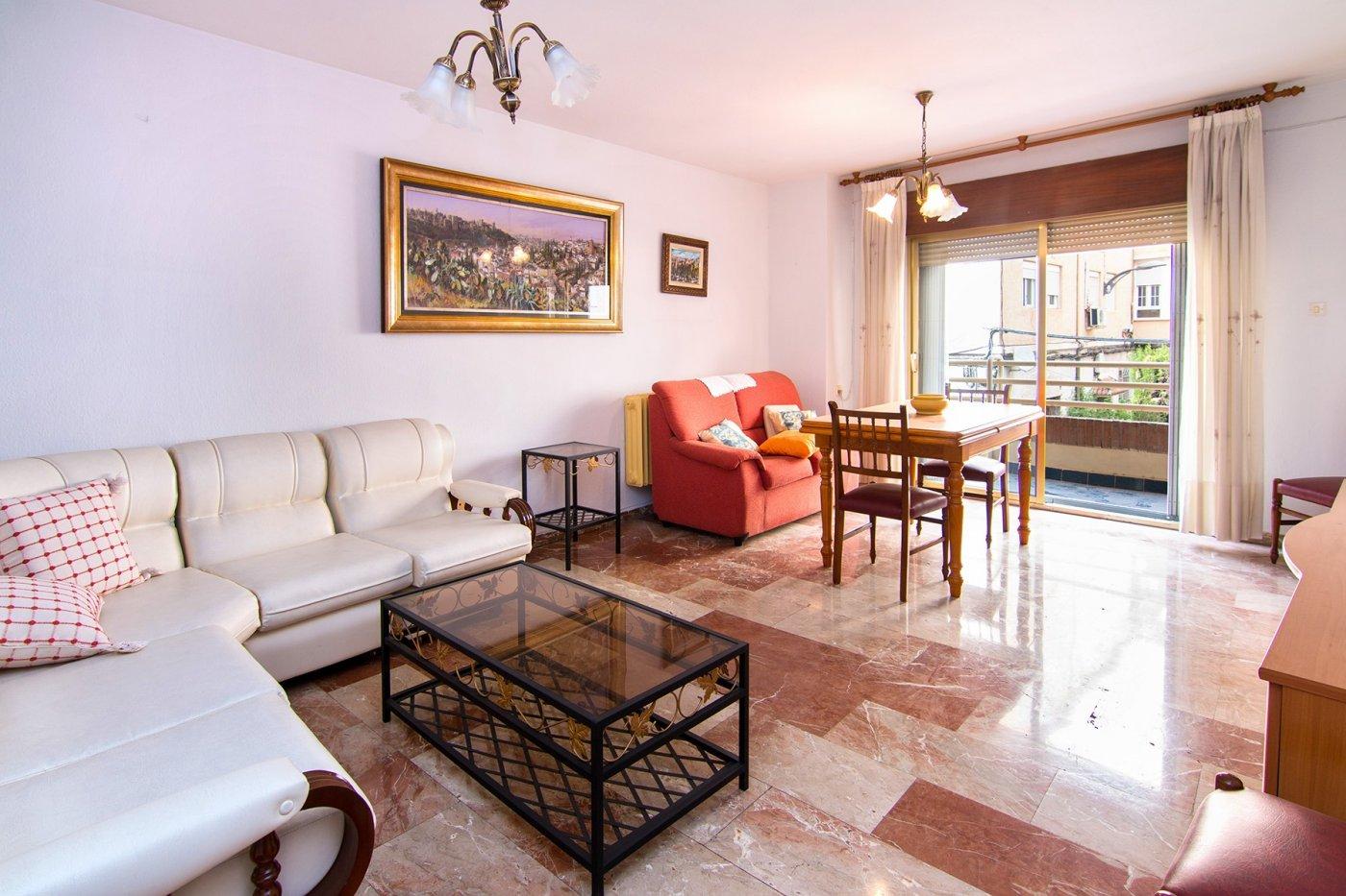 PISAZO en Pajaritos, 4 dormitorios con garaje, Granada