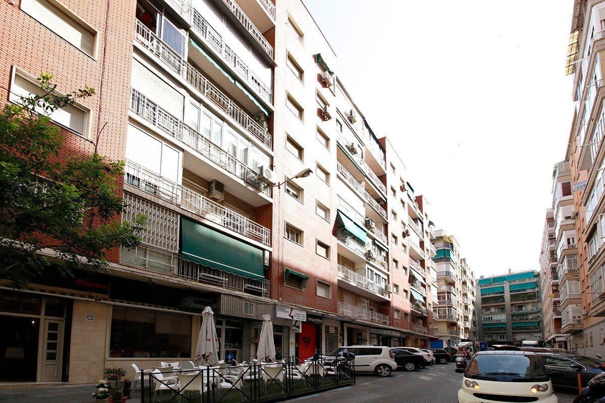 ÁTICO JUNTO RECOGIDAS, Granada