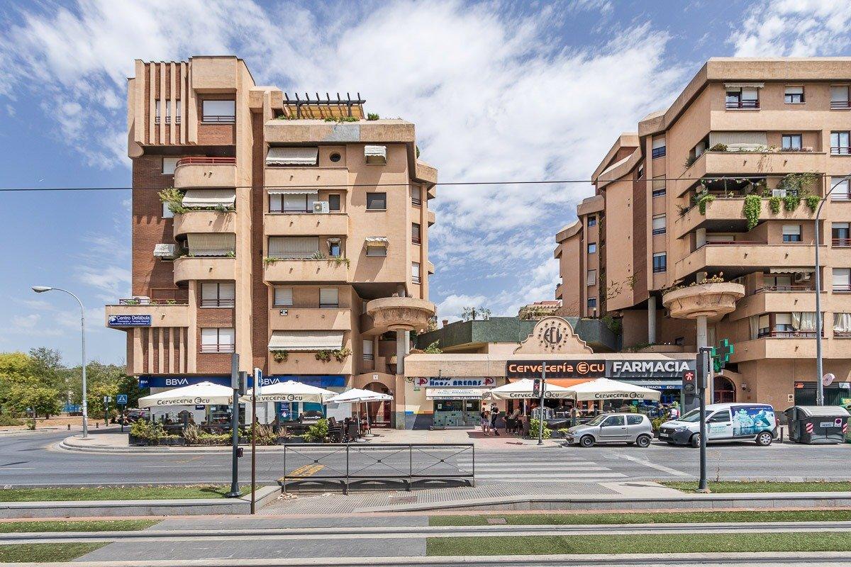 Magnifico piso de 3 dormitorios en el Palacio de los Deportes, Granada