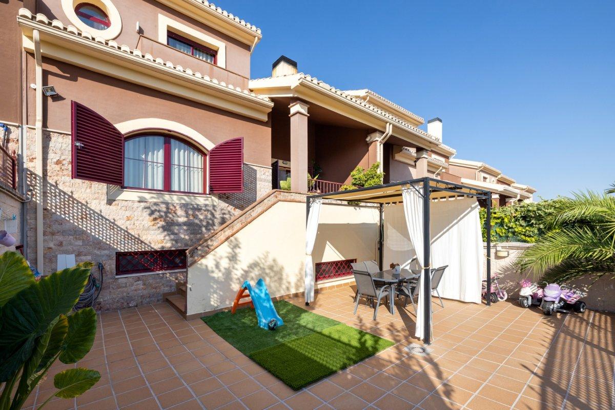Casa en urbanización en Gójar, Granada