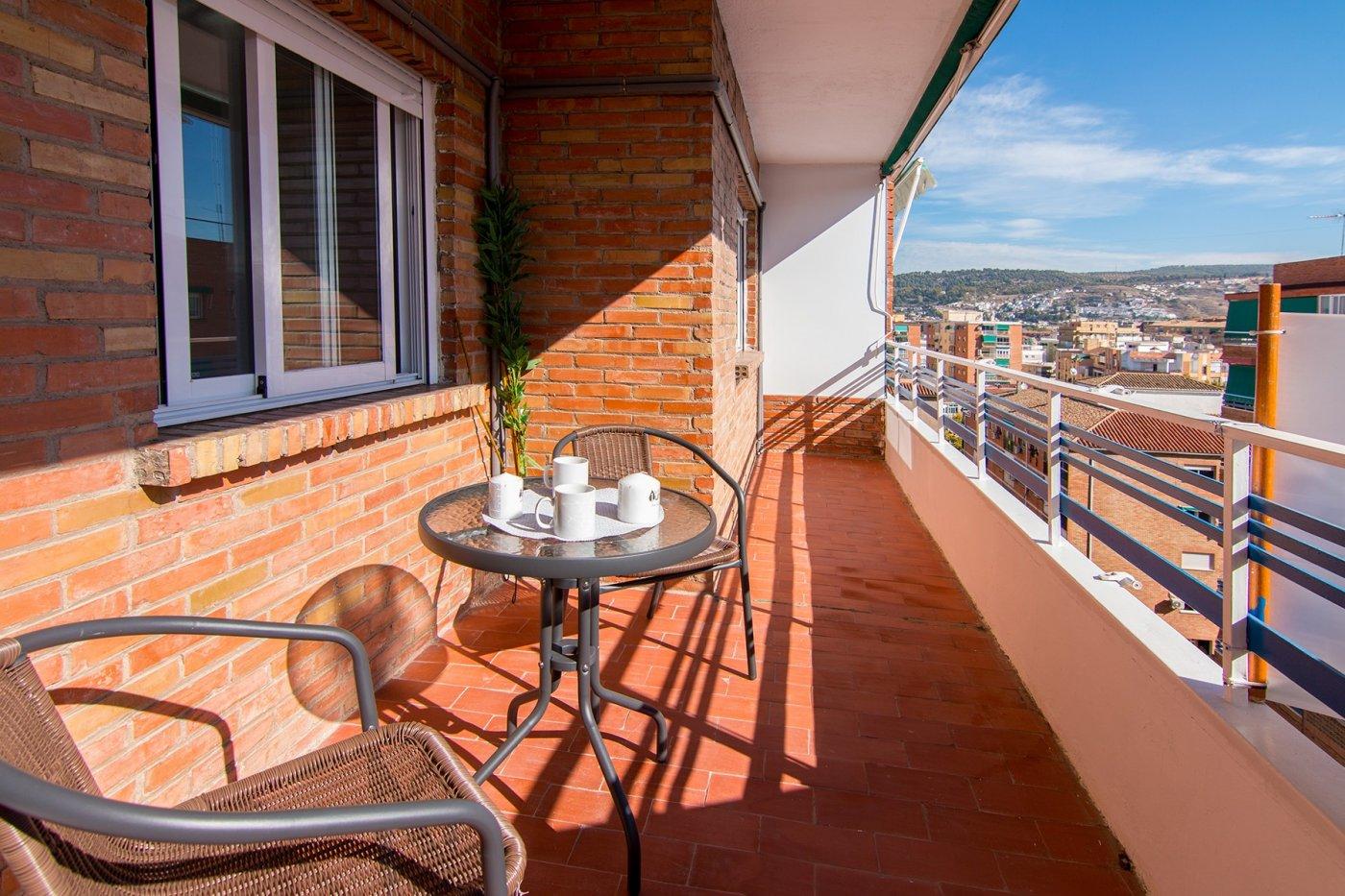 precioso piso 3 dormitorios en 10ª planta, terraza y cocina instalada, Granada