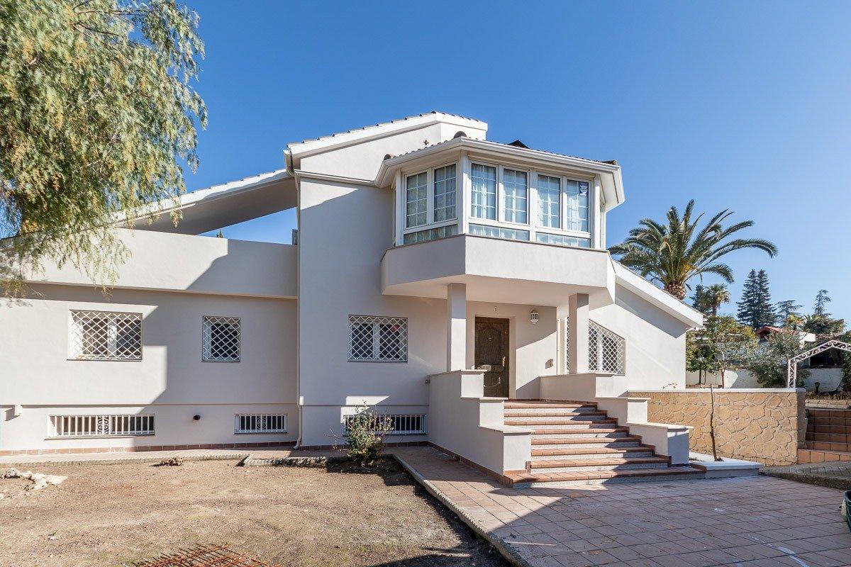Fabulosa casa independiente, en una de las urbanizaciones mas exclusivas de granada