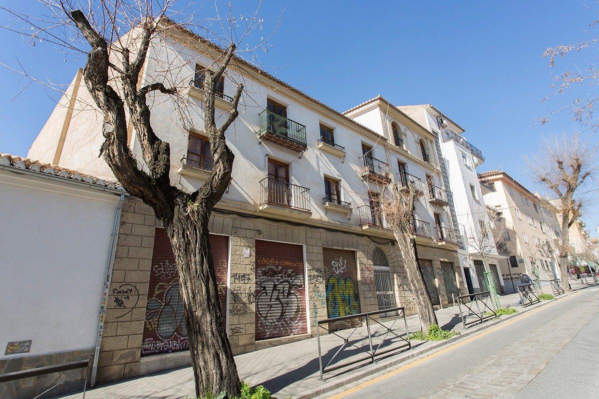 EDIFICIO EN VENTA Impresionante edificio en una de las mejores zonas de Granada, junto al Hospital R, Granada
