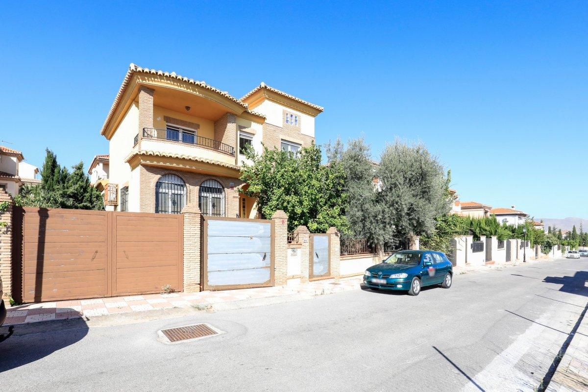 Fabuloso chalet en el Ventorrilo, listo para entrar a vivir, con piscina y parcela de 390m, Granada