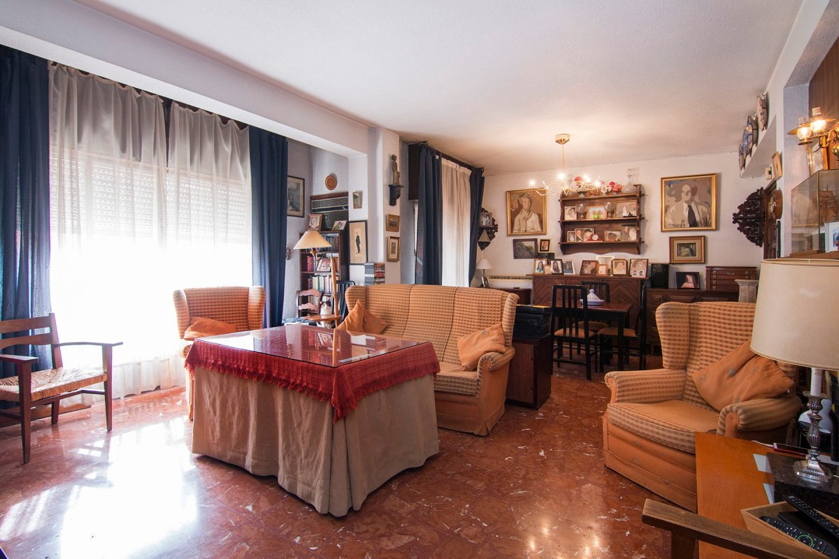 Magnífico piso, en excelente ubicación, en zona Recogidas, calle Cristo de Medinaceli, Granada