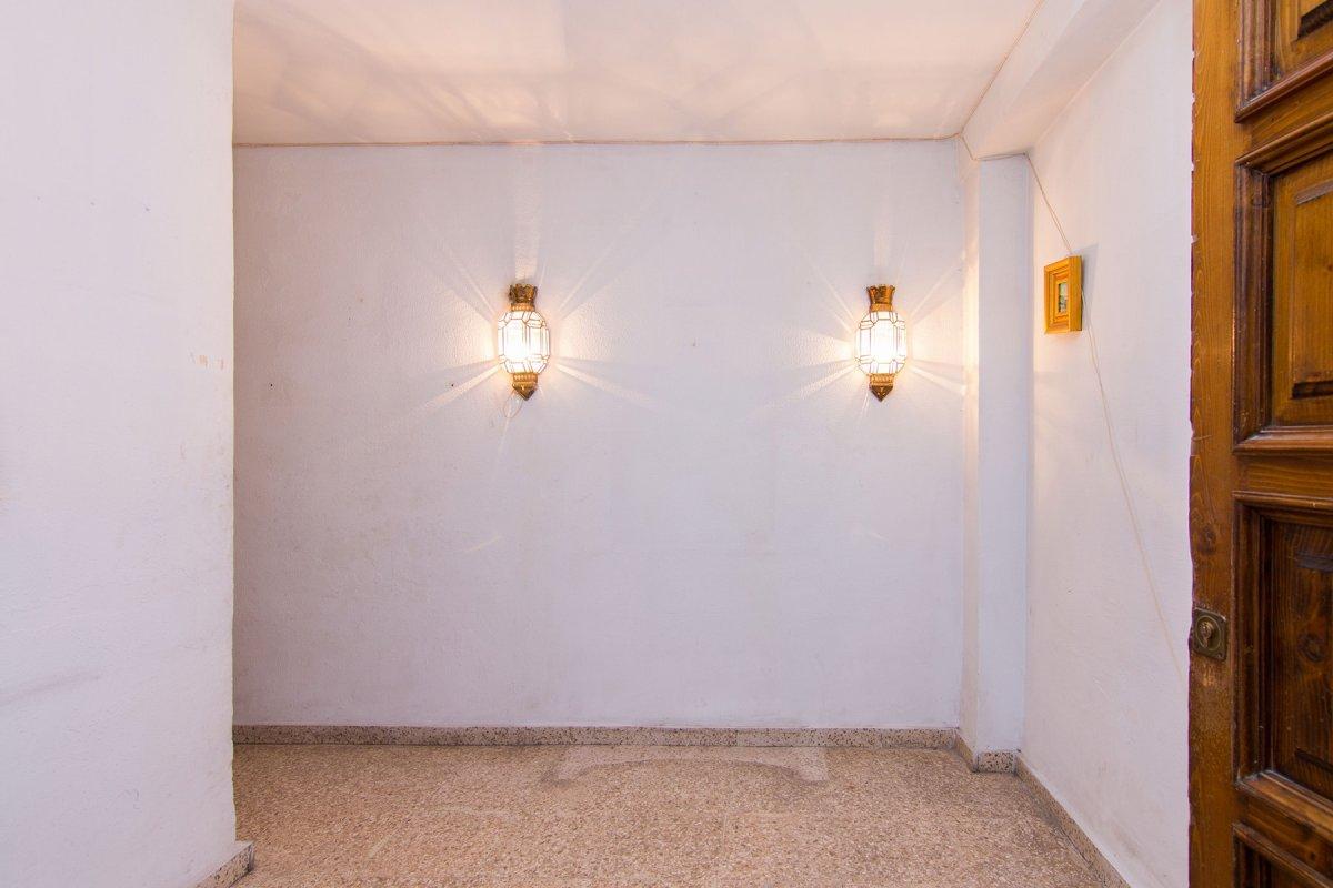 Piso para reformar en calle Tejeiro 130 metros, con garaje., Granada