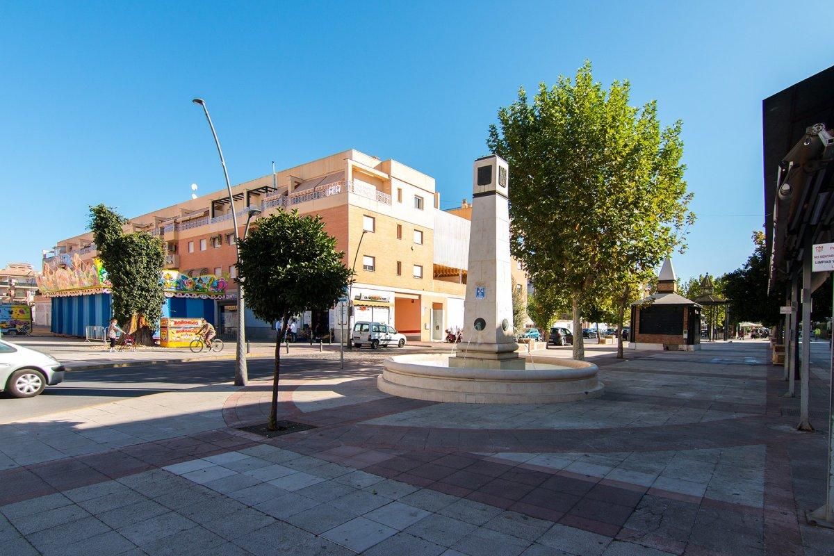 Piso en Santa Fe, Avenida de la Hispanidad 3 dormitorios y 2 garajes, Granada