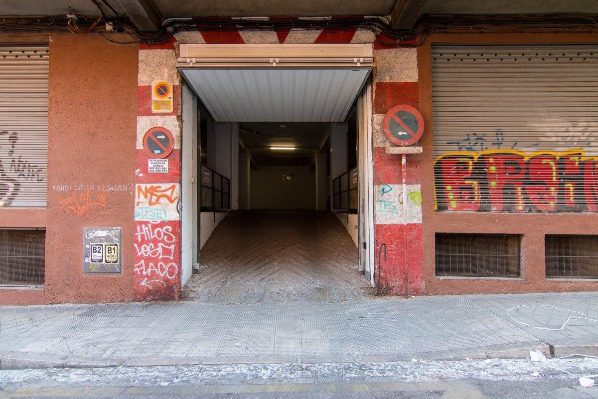 Local con 24 plazas de garaje