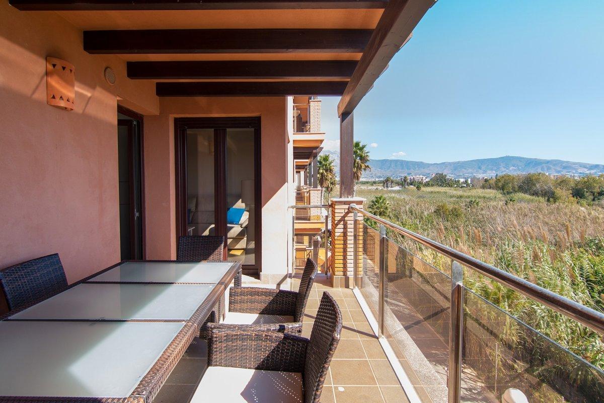 Piso en Playa Granada de dos dormitorios, dos baños y garaje. Junto campo de golf., Granada