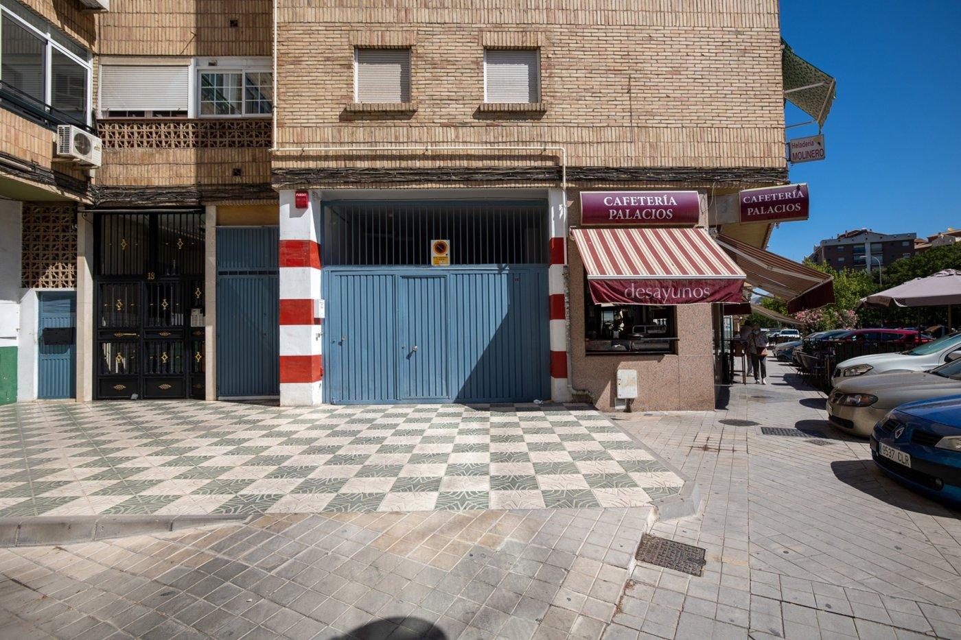 Garaje cerrado en el zaidin.