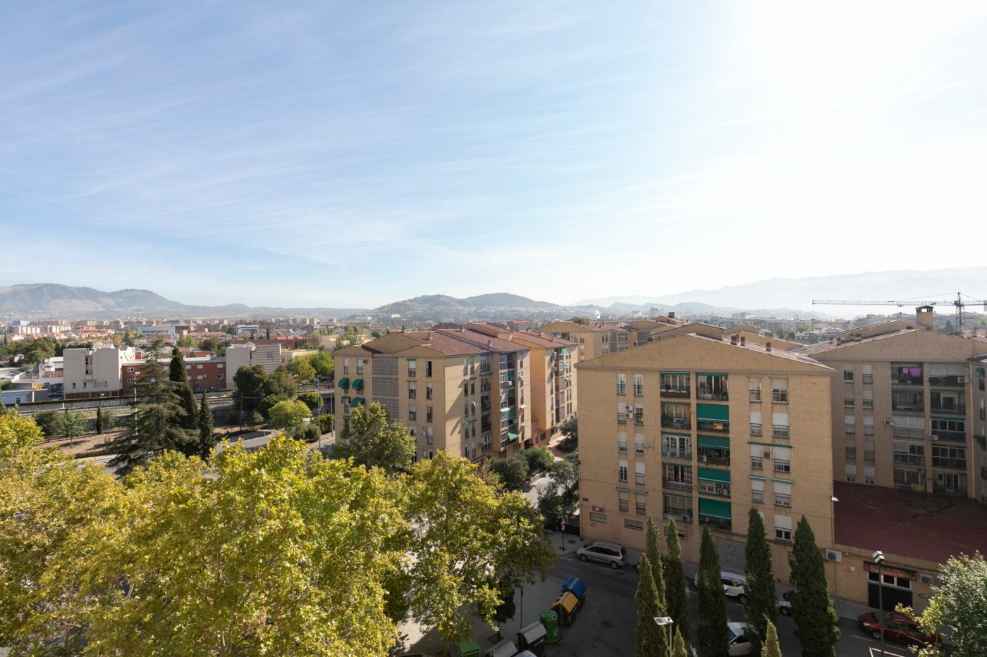 Piso semireformado frente Parque Almunia, Granada
