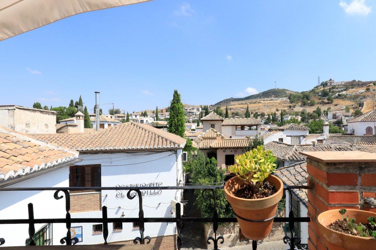 CASA EN PLENO CENTRO DE ALBAYZIN CON LICENCIA TURÍSTICA EN VIGOR, Granada