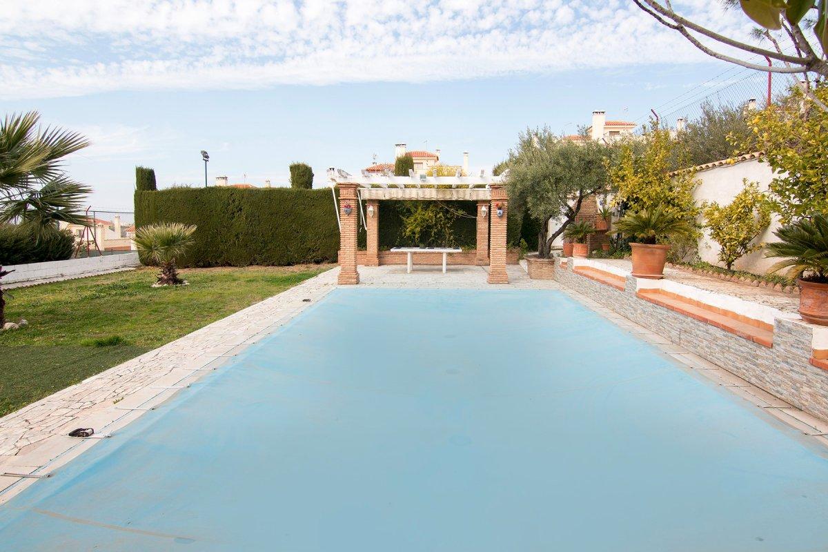 Espectacular casa con terreno en Huétor Vega, Granada