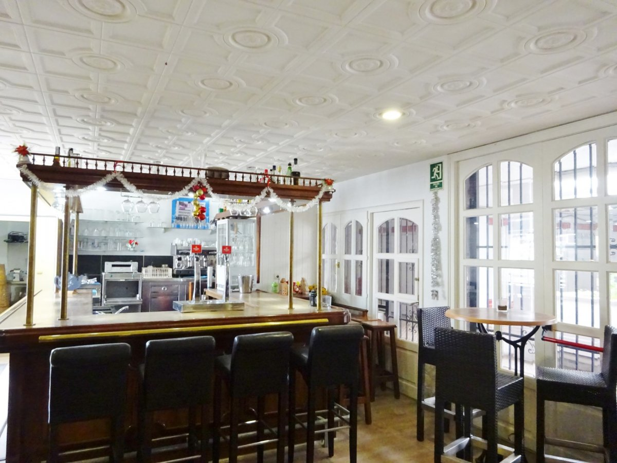 local-comercial en castello-dempuries · empuriabrava 129000€