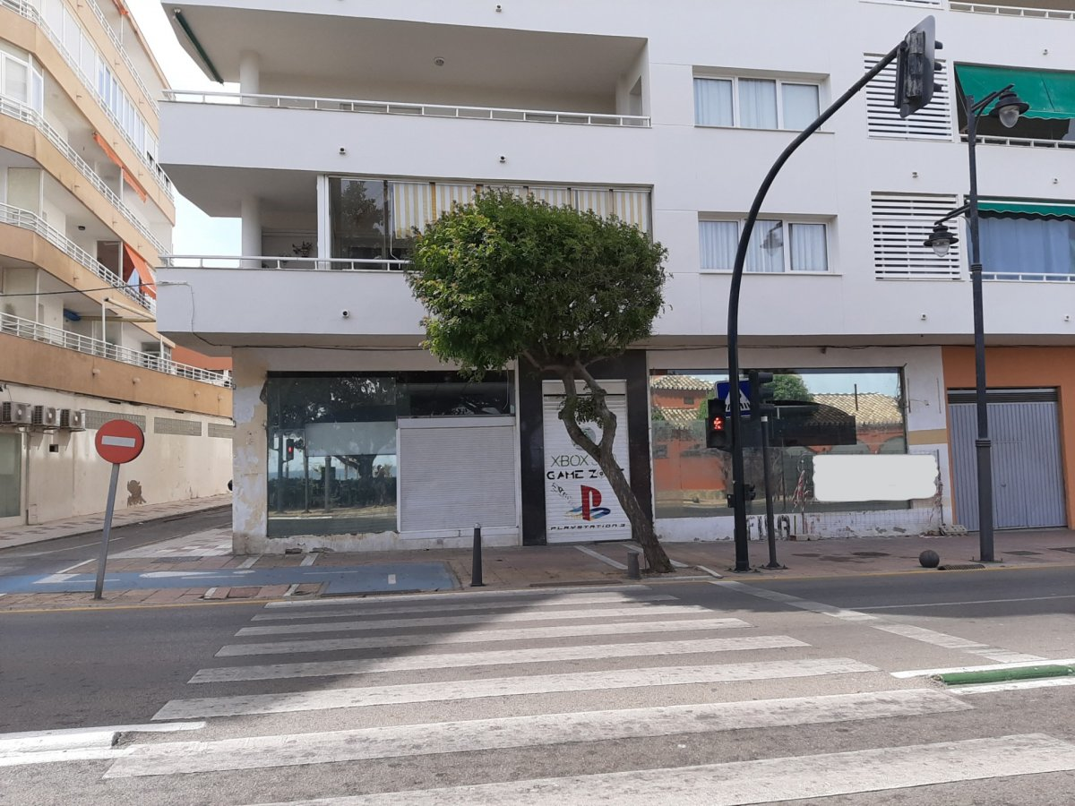 Local en venta en Casco urbano, Estepona