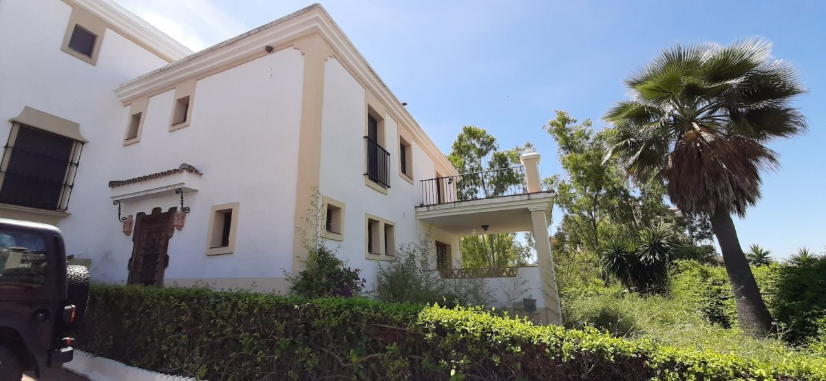 Chalet for sale in Estepona este, Estepona