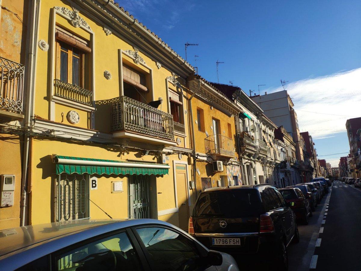 casa en valencia · el-cabanyal---el-canyamelar 150000€