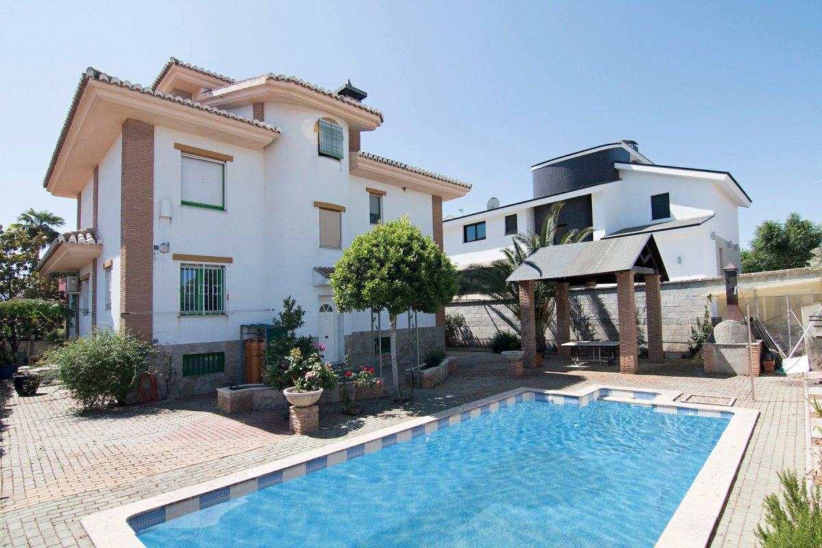 Bonita casa unifamiliar en la Urb. El Carmelo en los Ogijares, Granada