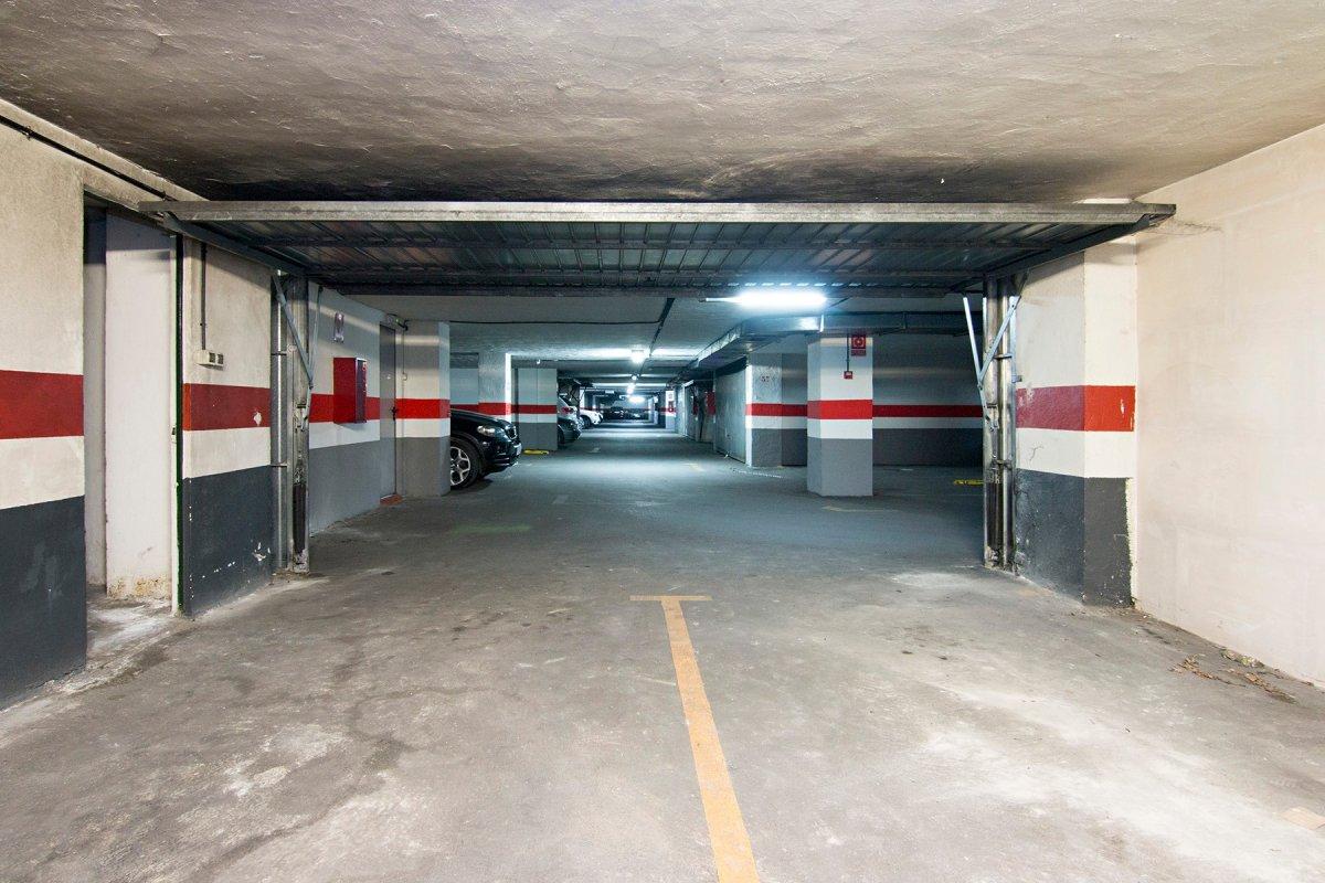 ¿cansado de dar vueltas con el coche y no encontrar aparcam? ¿buscas hacer una pequeña inversión ?