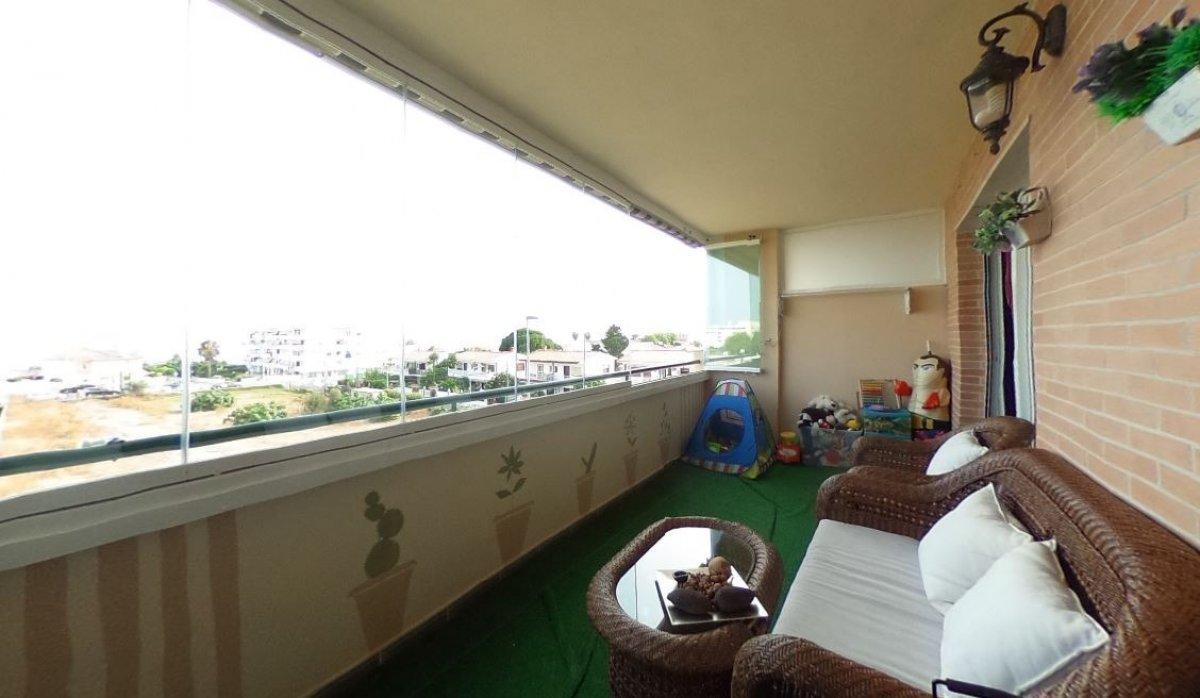 apartment en rincon-de-la-victoria · torre-benagalbon 199500€