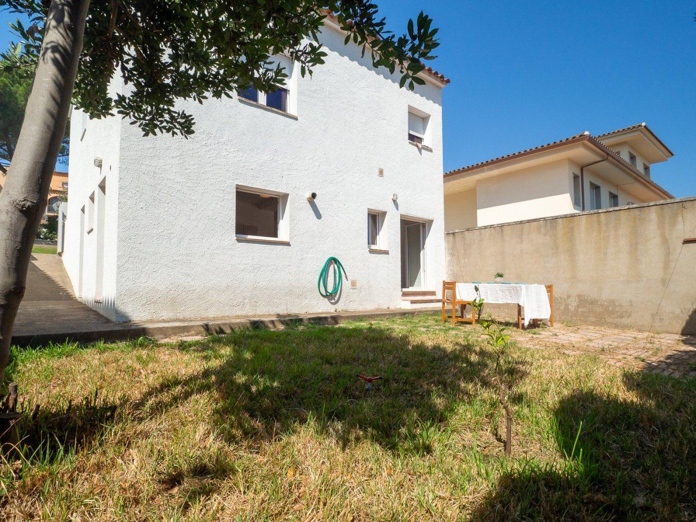 house en lescala · centre 200000€