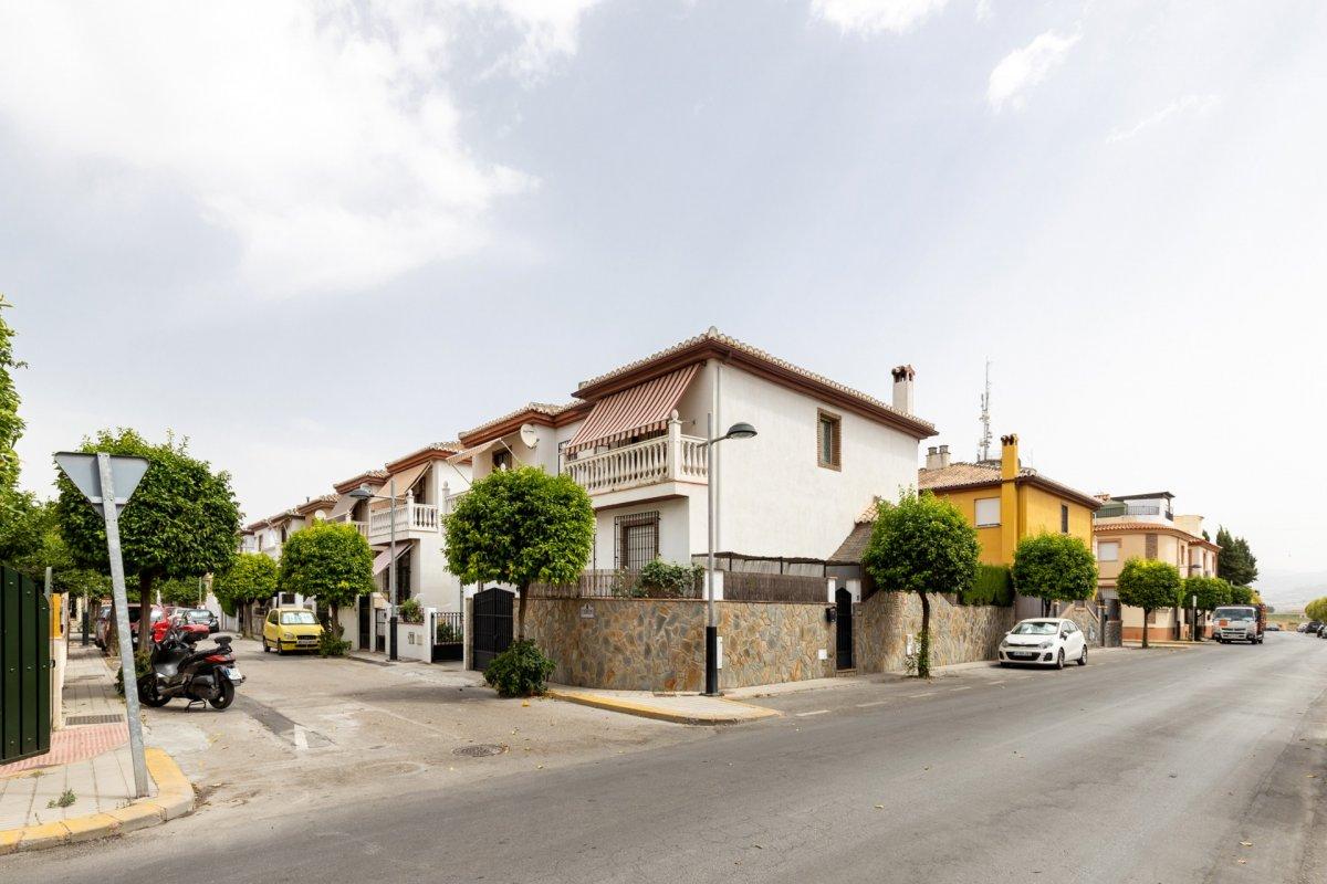 CASA PAREADA CON PISCINA EN HIJAR, Granada
