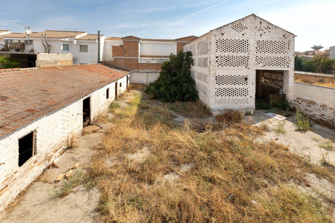 Casa con terreno en el centro de churriana de la vega