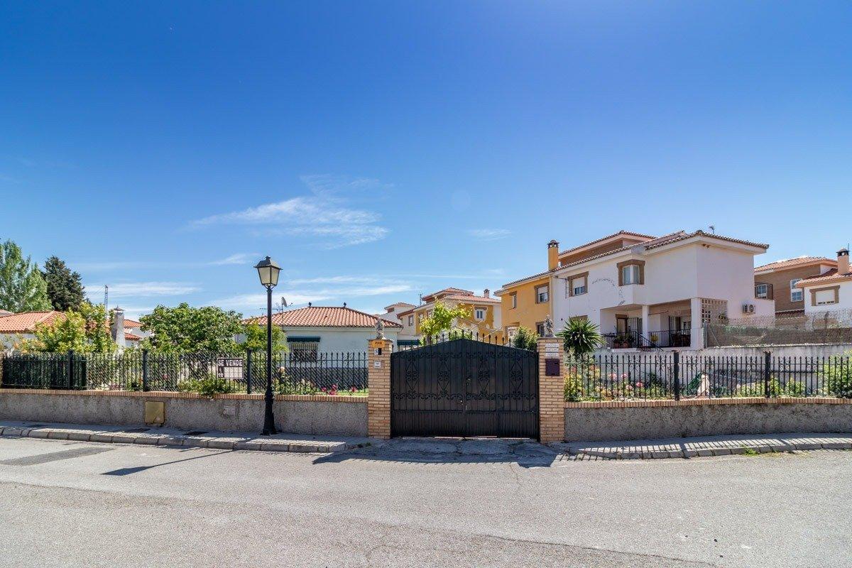 CHALET EN UNA SOLA PLANTA EN OGIJARES, Granada