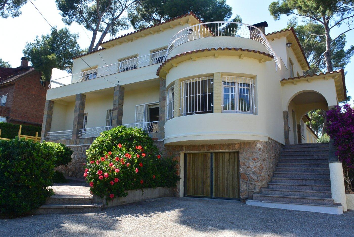 casa en castelldefels · montemar-bajo 3500€