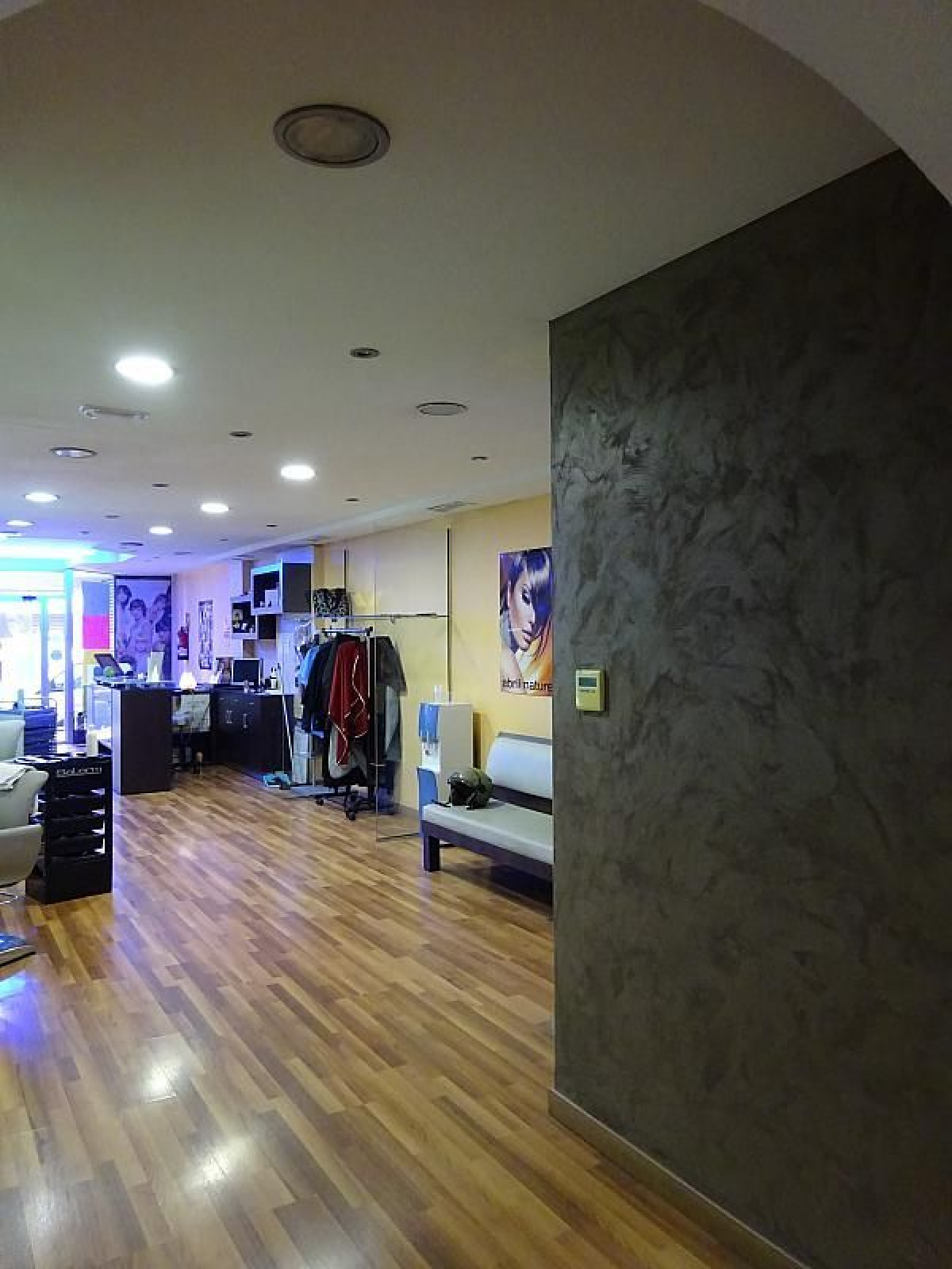 local-comercial en castelldefels · centro 1000€