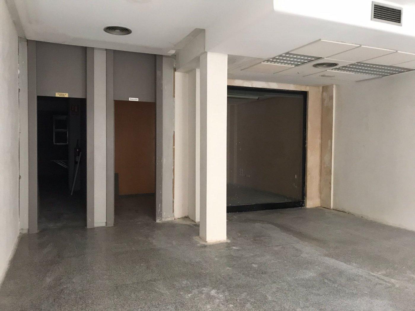 local-comercial en torrent · estacion-metro-nueva 450€