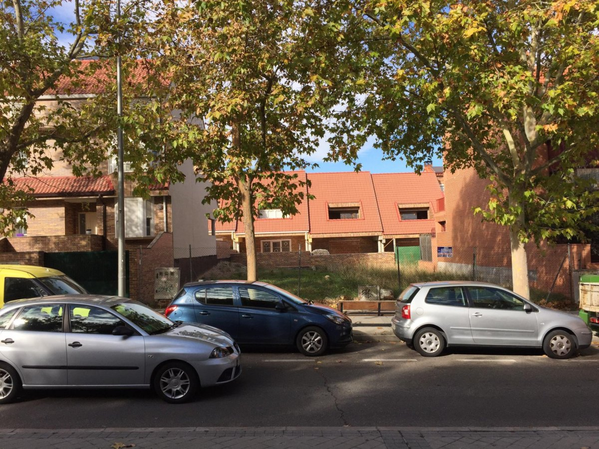 terreno-urbano en madrid · san-blas 300000€