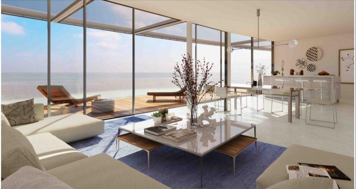 Villa en venta en 1ª linea playa, Estepona