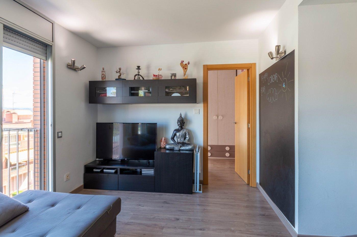 Piso de 50 m² en st. andreu de la b. zona raval de corbera. 2 hab., 1 baño, parking y tras - imagenInmueble5