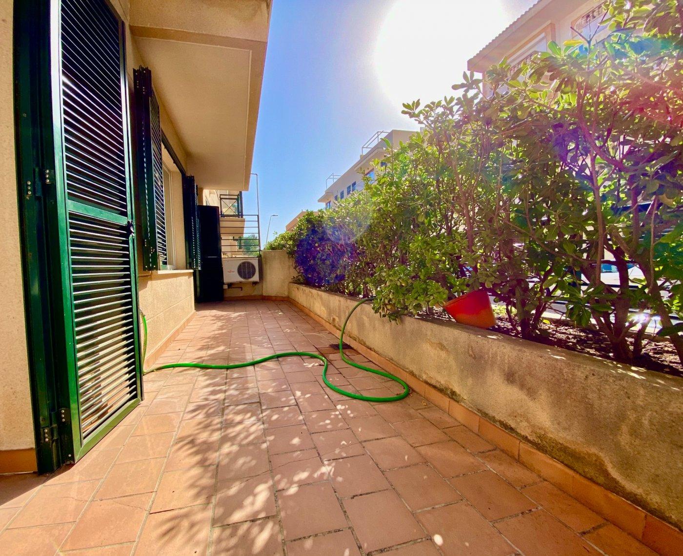 Céntrica planta baja con dos terrazas y plaza de parking - imagenInmueble10