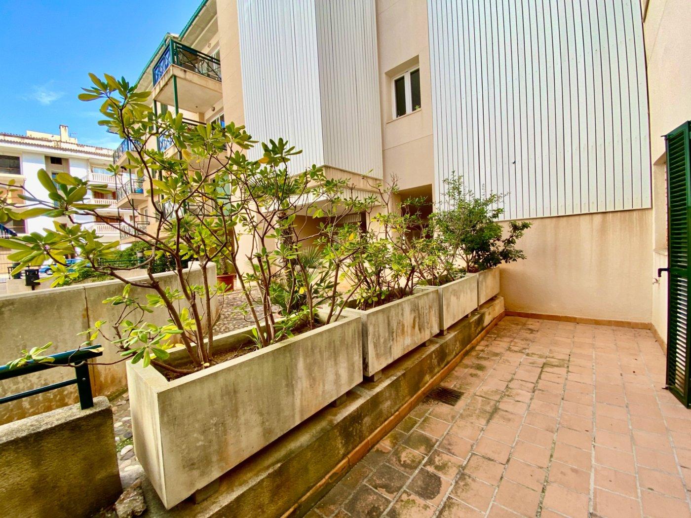 Céntrica planta baja con dos terrazas y plaza de parking - imagenInmueble24