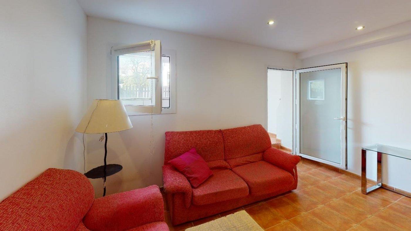 Conjunto de dos apartamentos con proyecto para hacer dúplex - imagenInmueble28