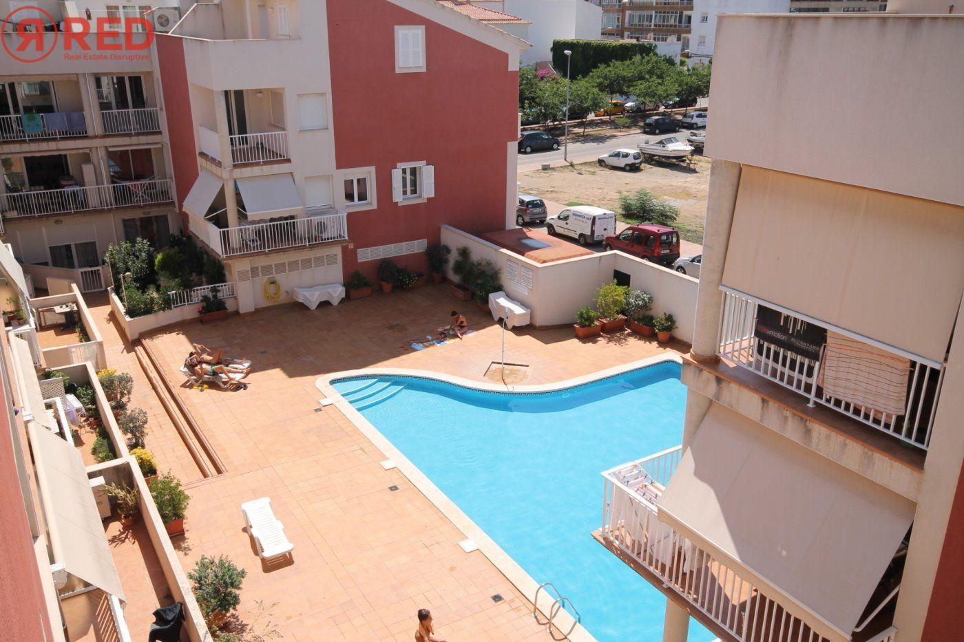 Dúplex con terraza y piscina comunitaria, equipamiento y mobiliario excepcional - imagenInmueble24