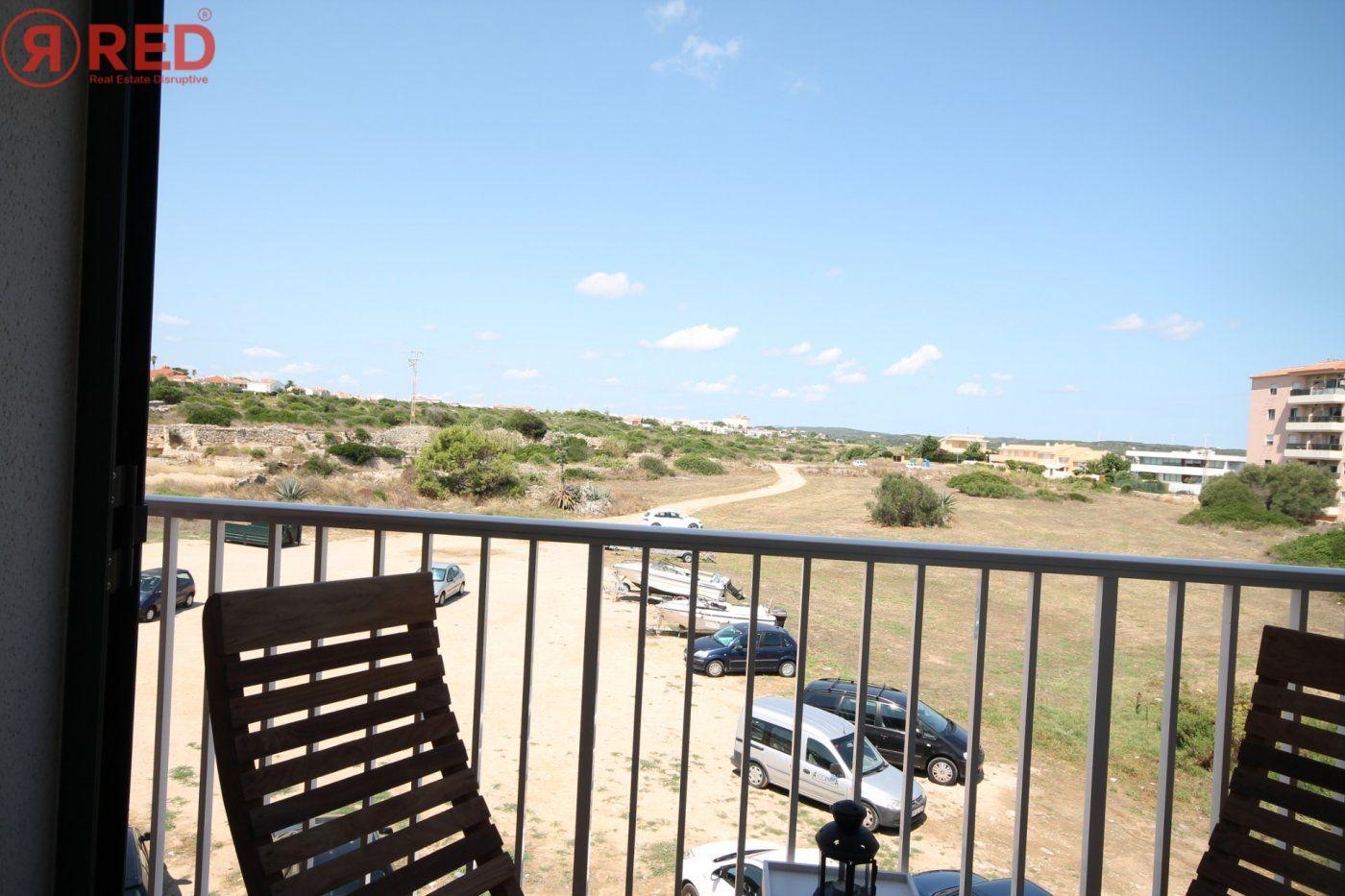 Dúplex con terraza y piscina comunitaria, equipamiento y mobiliario excepcional - imagenInmueble4