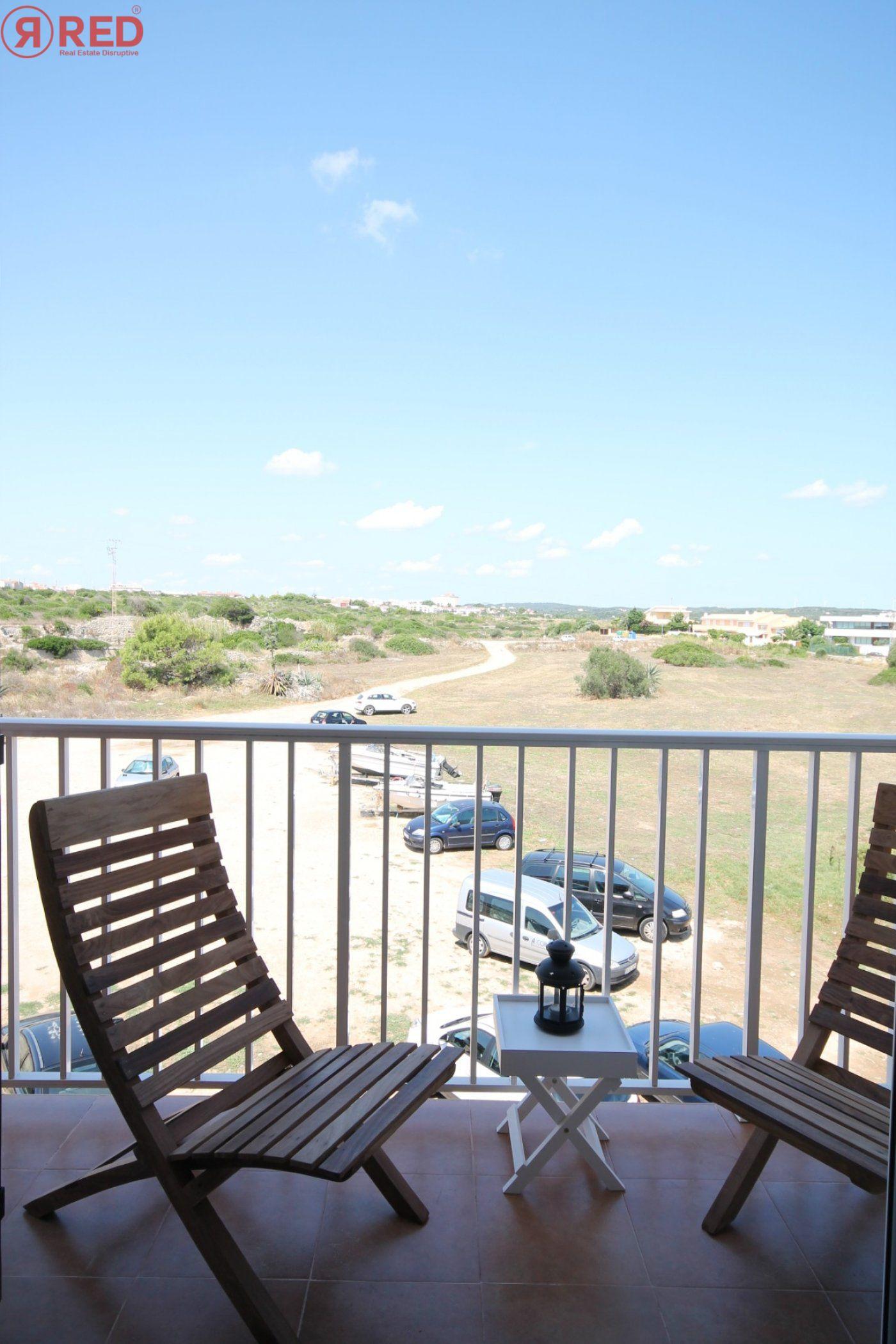Dúplex con terraza y piscina comunitaria, equipamiento y mobiliario excepcional - imagenInmueble5