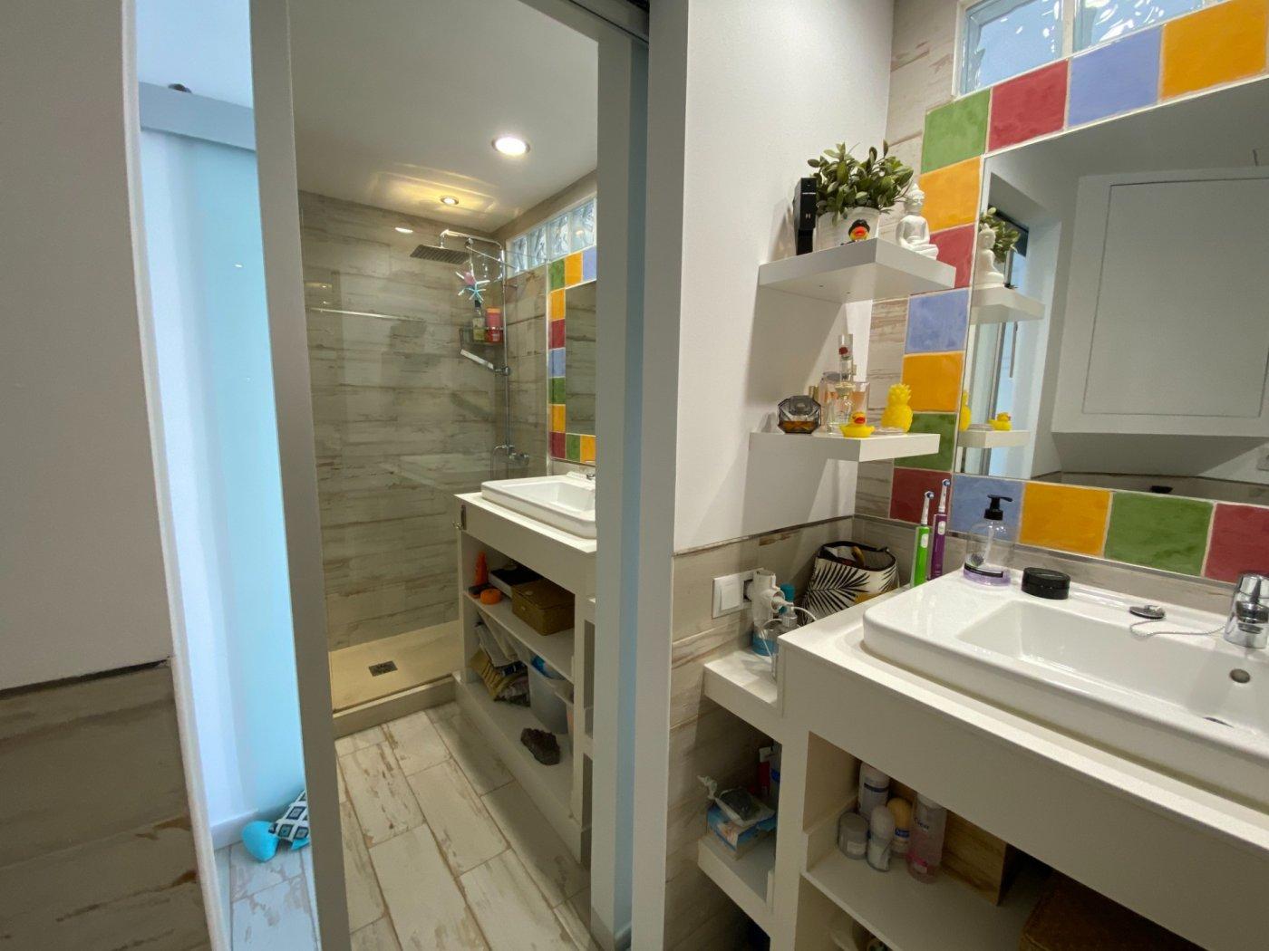 Alquiler con opcion de compra!espectacular apartamento con vistas al mar y parking propio - imagenInmueble31